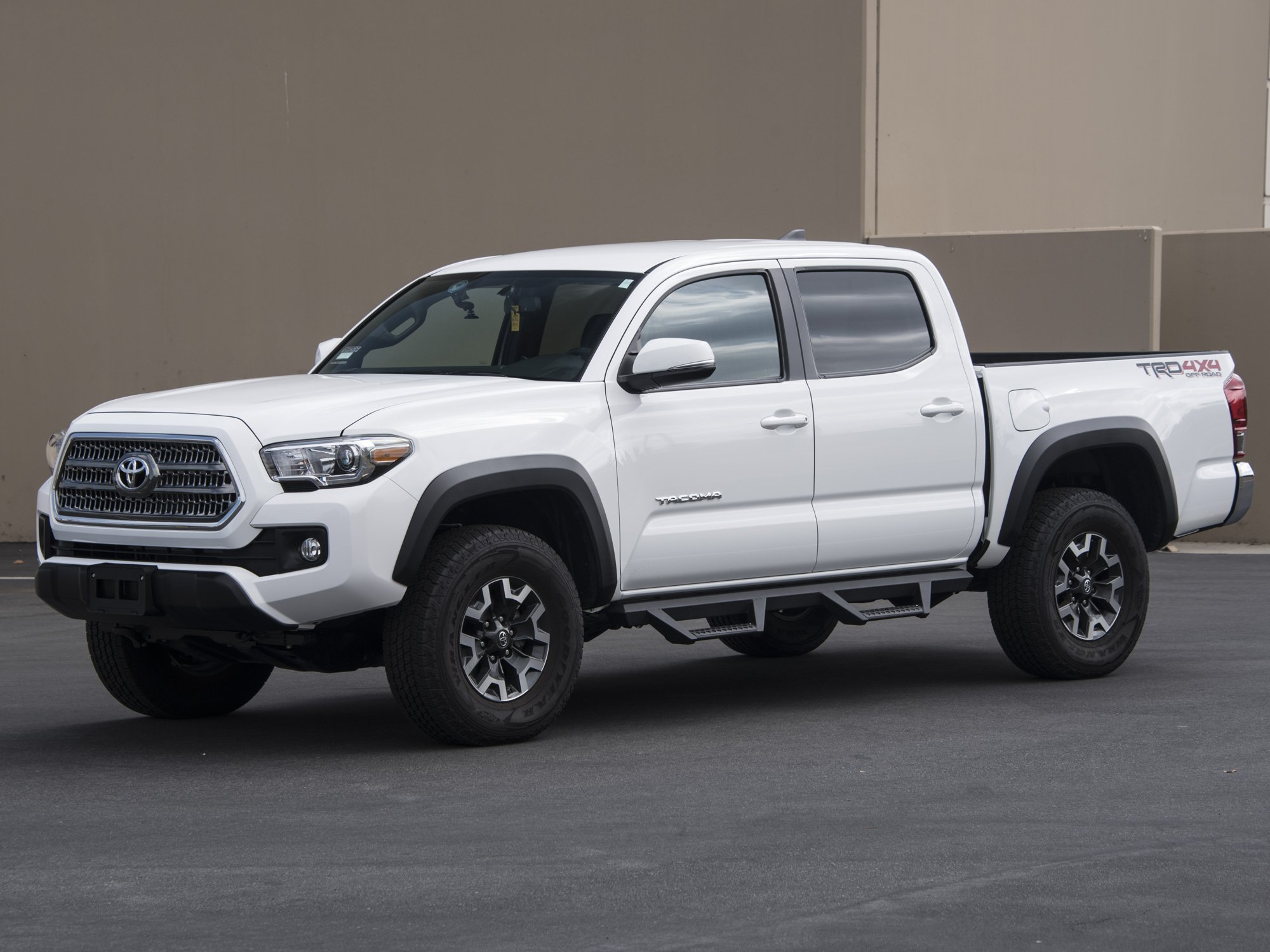 Armordillo AR Drop Steps Tacoma Double Cab 2005-2019